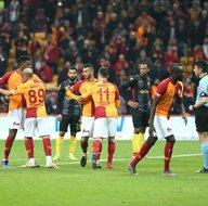 Galatasarayda şok tartışma! Belhanda ve Diagne...