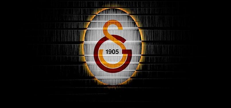 Galatasaray taraftarından Deniz Türüç'e sürpriz çağrı