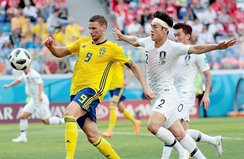 İsveç 3 puanı tek golle aldı!