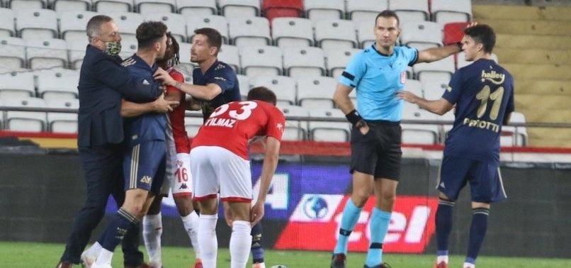 Volkan Ballı Antalyaspor - Fenerbahçe maçında sahaya girdi! İşte o anlar