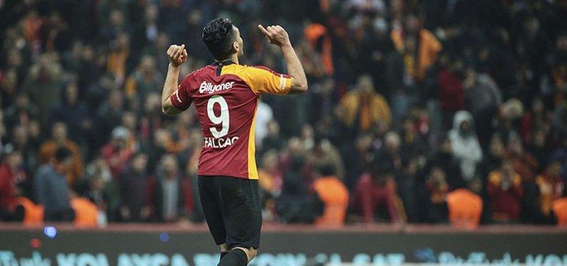 Galatasaray'da Radamel Falcao bir açıldı pir açıldı!