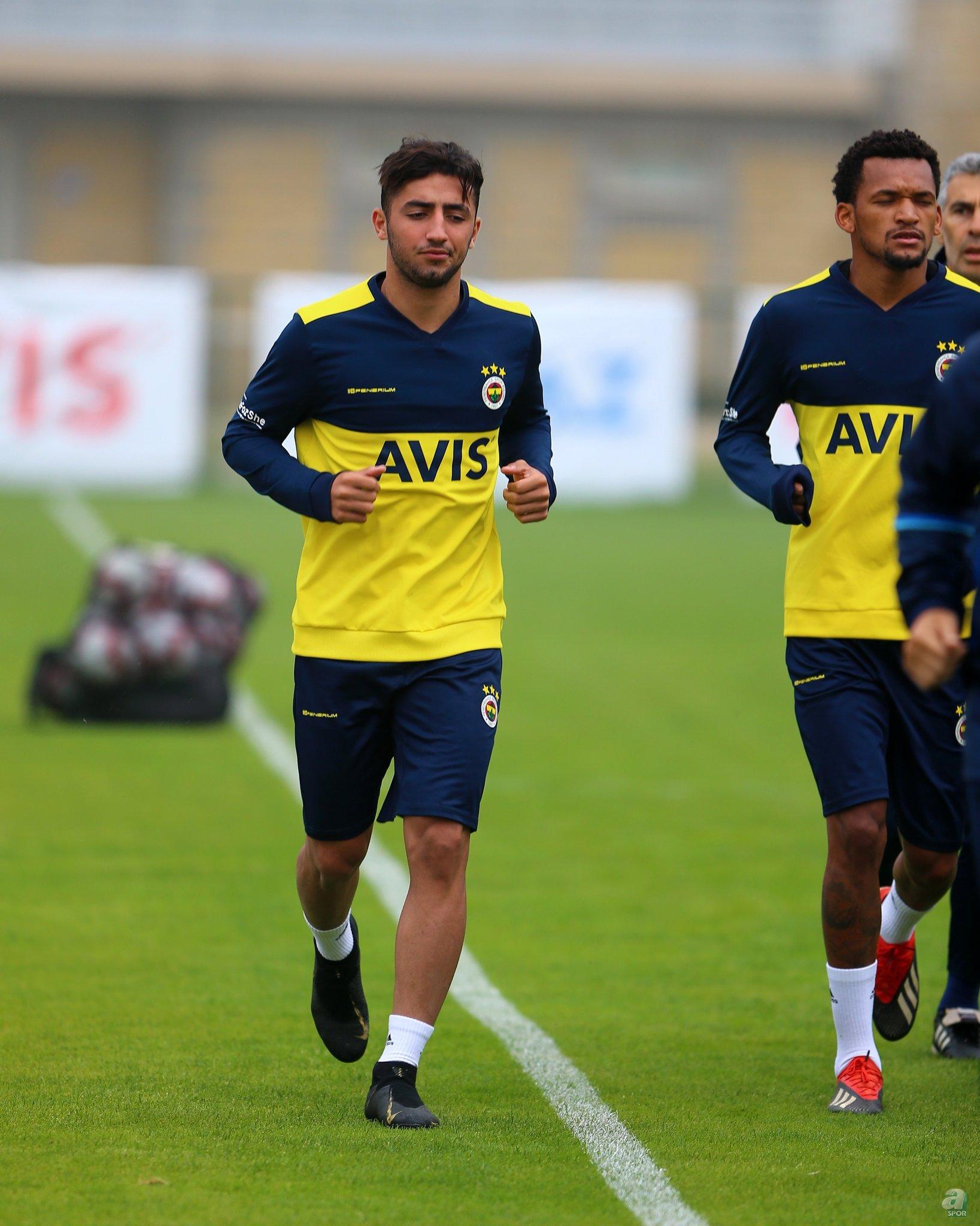Zorya'da, ligde 13 maçta 4 gol atıp 2 de asist üretti.
