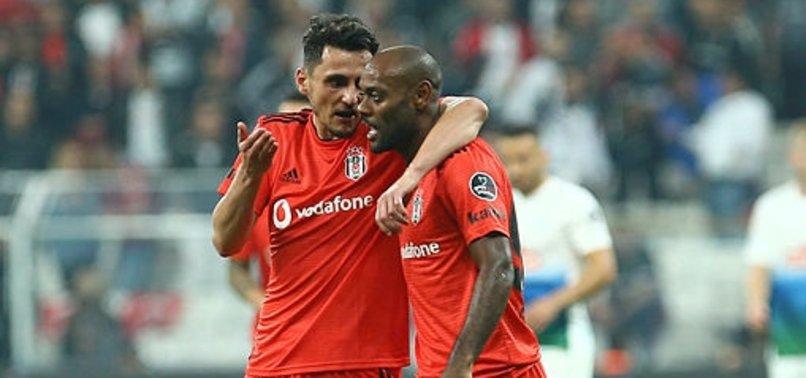 Beşiktaş'ta Love ve Pektemek kendini buldu