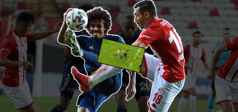Antalyaspor'da Adis Jahovic Fenerbahçe maçında kırmızı kart gördü!