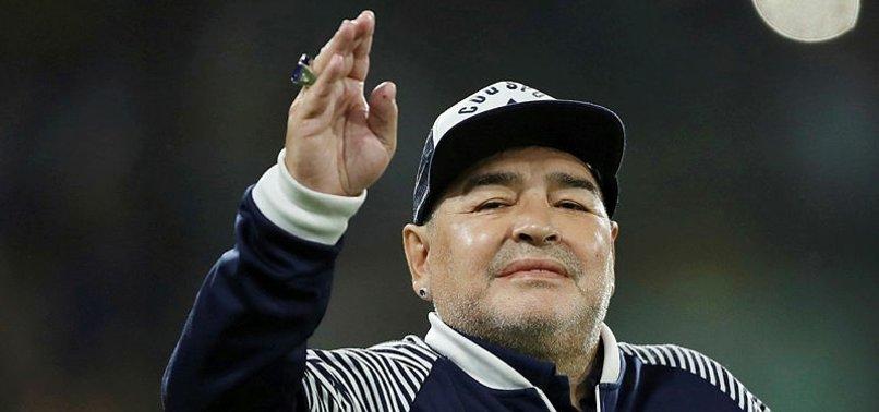 Arjantin'in efsane futbolcusu Diego Maradona hayatını kaybetti!