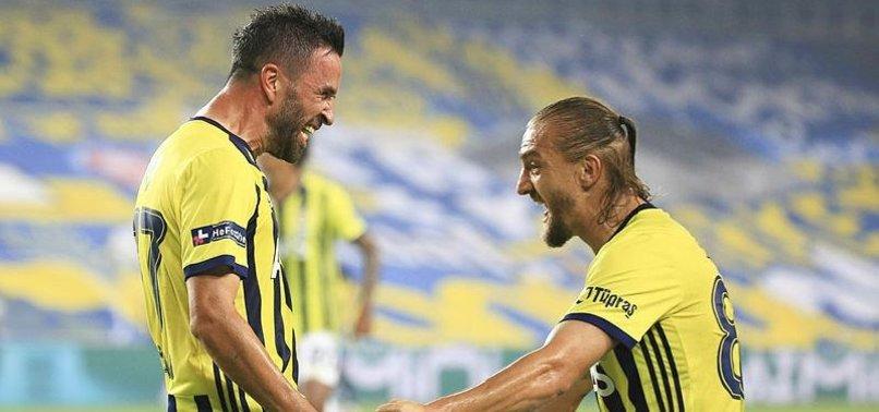 Fenerbahçe'de Caner Erkin ve Gökhan Gönül 4 yıl sonra Beşiktaş'a karşı