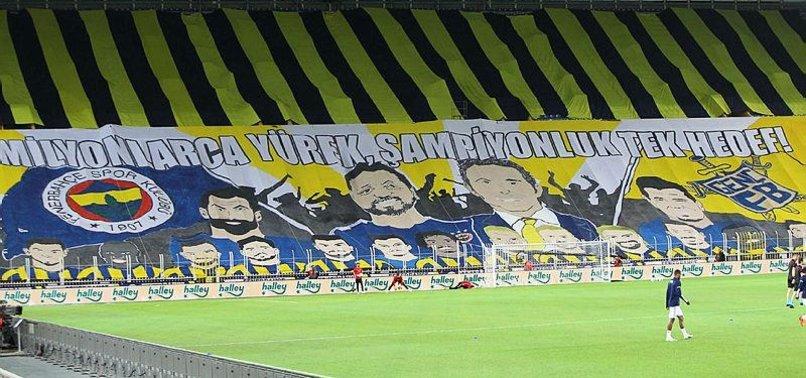 Fenerbahçeli taraftarlardan pankartlı destek