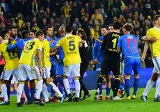 Fenerbahçe-Göztepe maçında gerginlik!