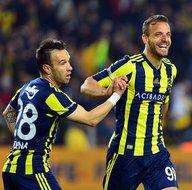 Fenerbahçeli yıldız Galatasaraya haber yolladı