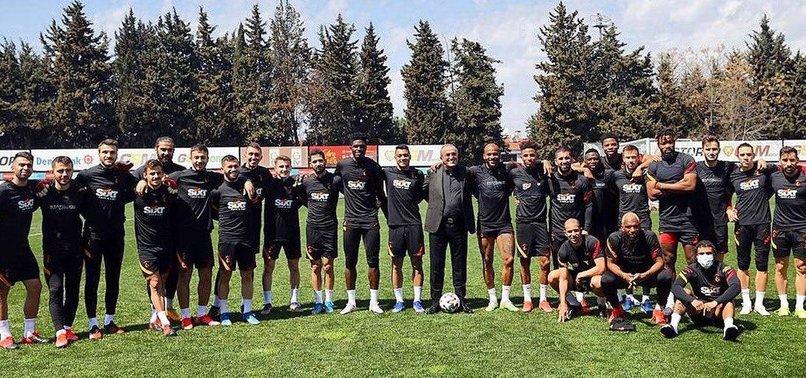 O kare için şok sözler! Galatasaray yönetiminin bölündüğünü gösteren fotoğraf