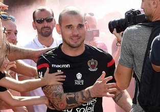 Sneijder, Fransada yılın bidonu seçildi
