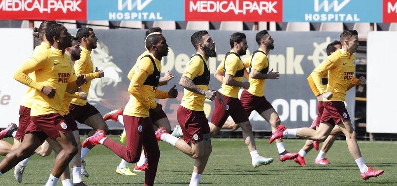 Galatasaray'da Christian Luyindama sevinci!