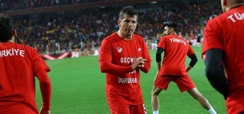 Emre Belözoğlu futbolu bırakacak mı? Resmen açıkladı