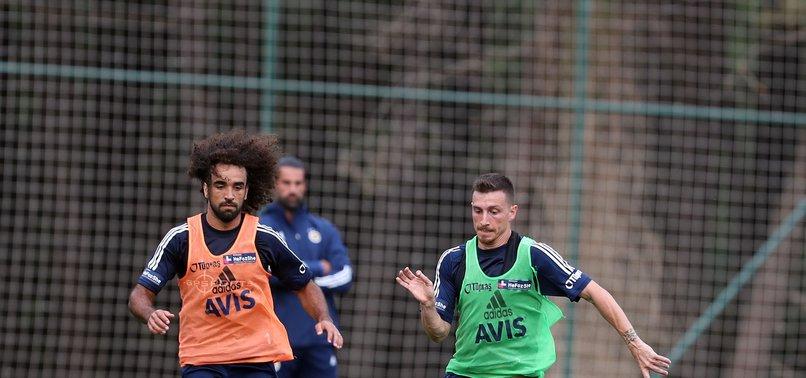 Fenerbahçe derbiye hazırlanıyor! Antrenmanda...
