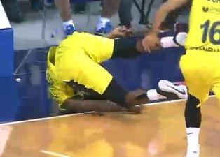 Yere düşen Fenerbahçeli James Nunnally korkuttu