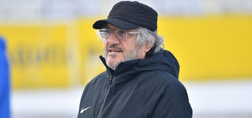 Son dakika spor haberleri: Kocaelispor Teknik Direktörü Mustafa Reşit Akçay hastaneye kaldırıldı