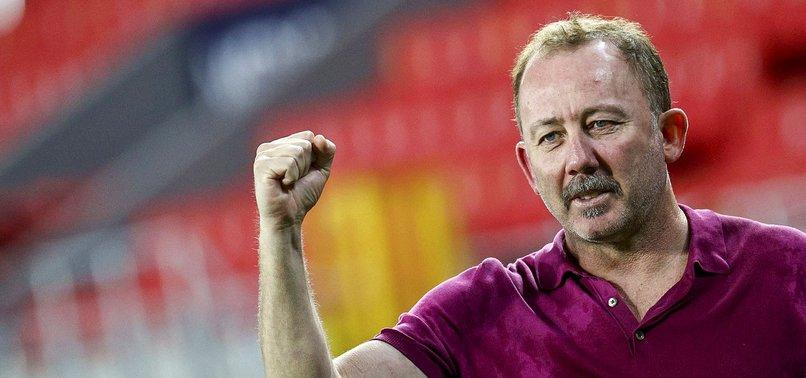 Beşiktaş'ta Sergen Yalçın'dan flaş sözler! Kenara çekilecek değilim