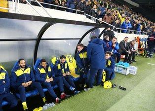 Fenerbahçe yedek kulübesinde koltuk kavgası! Emre Belözoğlu...