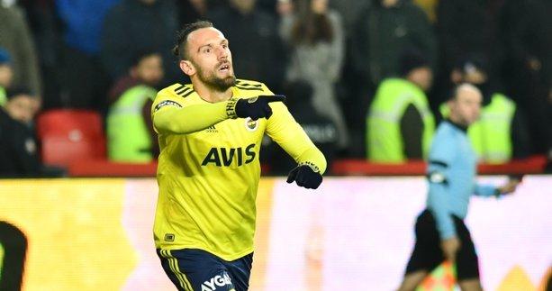 Fenerbahçeli Vedat Muriç kendini oyuna verdi! Acayip sarıyor