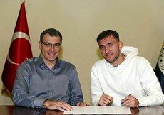 Fenerbahçeden Alptekine profesyonel sözleşme