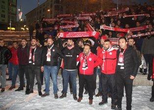 Demir Grup Sivassporlu taraftarlardan hakem hatalarına tepki yürüyüşü