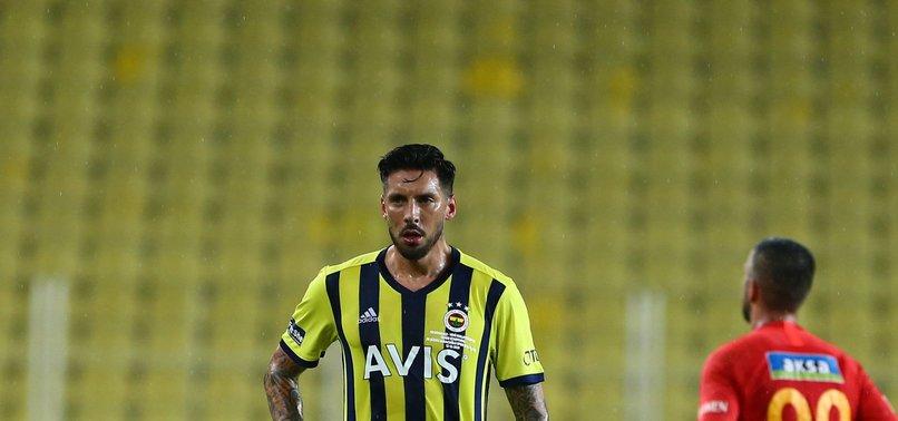 Menajeri açıkladı! Jose Sosa Fenerbahçe'den ayrılıyor mu?