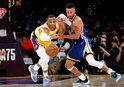Curry'den triple-double!