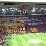Galatasaray tribününden müthiş koreografi! Fatih Terim...