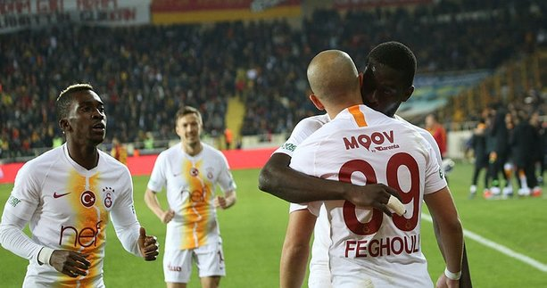 Galatasaray Malatya'yı farklı geçti sosyal medya sallandı!