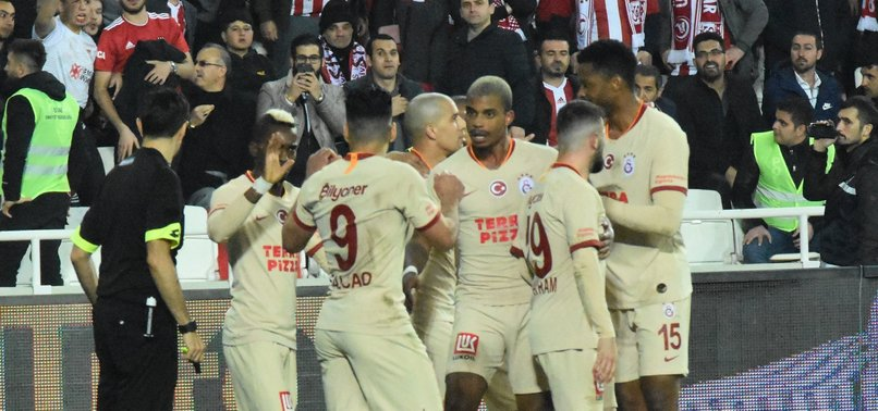 Galatasaraylı yıldıza büyük övgü! ''Duran top ustası''