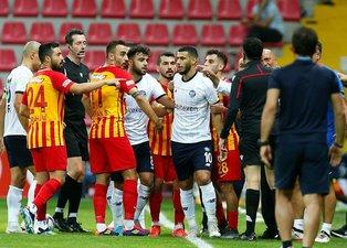 Son dakika spor haberi: Kayserispor - Adana Demirspor maçında ortalık karıştı! Belhanda ve Hikmet Karaman...