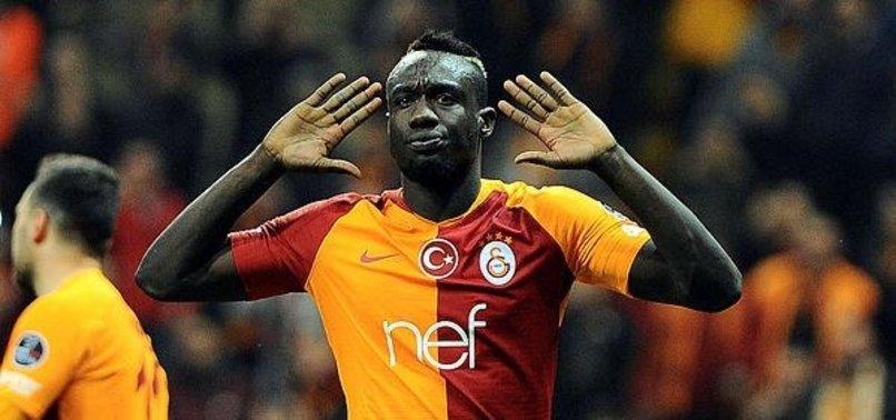 Diagne Galatasaray'ı sıkıştırmaya çalışıyor | Video haber