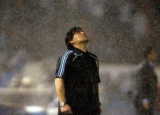 Futbol dünyasının acı günü! İşte Diego Maradona'nın ölümü sonrası yapılan paylaşımlar