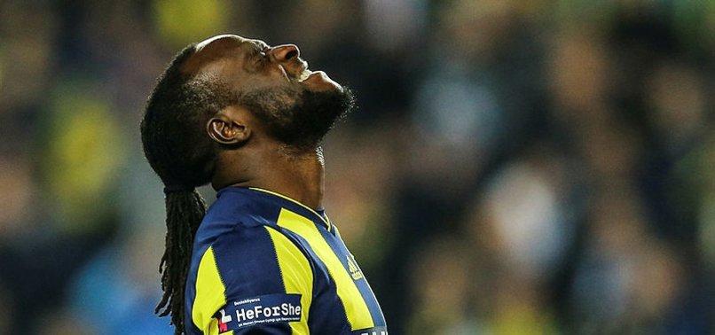 Fenerbahçeli Moses'in uçakta saati çalındı