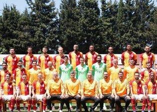 Galatasaray'ın şampiyonluk fotoğrafında ilginç detay!