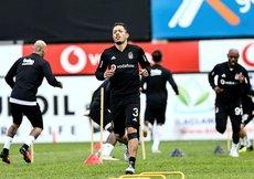 Beşiktaştan Adriano açıklaması