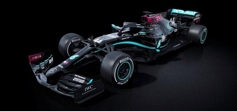 Mercedes F1'de ırkçılığa karşı siyaha büründü