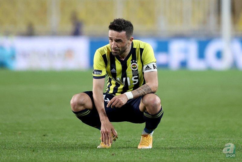 Son dakika transfer haberleri: Gökhan Gönül'e 2 talip birden! Fenerbahçe...