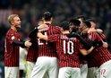 Hakan şov yaptı Milan turladı!