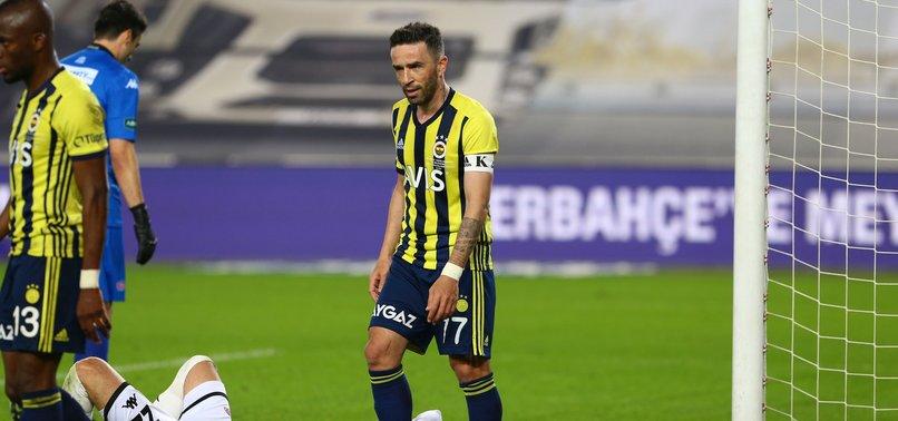 Fenerbahçe'ye Gökhan Gönül'den kötü haber! Başakşehir maçında...