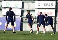 Fenerbahçede gözler derbiye çevrilmiş durumda
