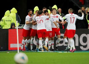 Merih Demiral'danFransa maçına damga vuran hareket!