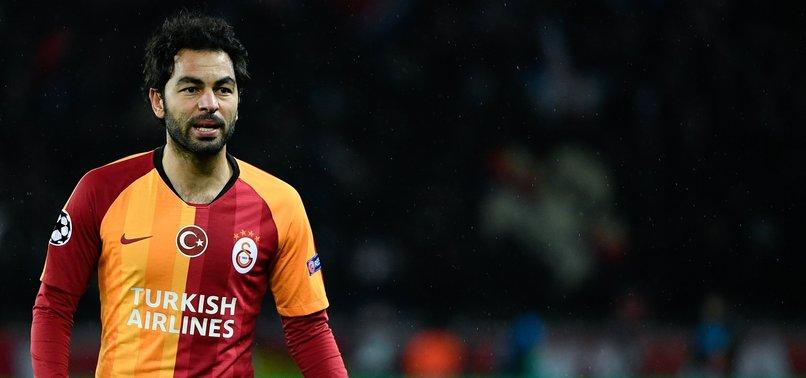 Galatasaray'da Selçuk İnan futbolu bıraktı