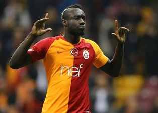 Son dakika spor haberi: Kasımpaşa - Galatasaray maçında Mbaye Diagne kaçırdığı gollerle saç baş yoldurdu!