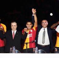 Galatasaraydan görkemli imza töreni