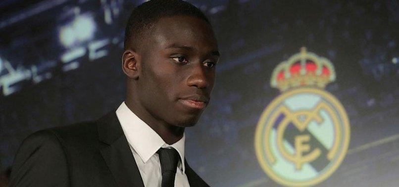 Real Madrid Mendy'yi tanıttı