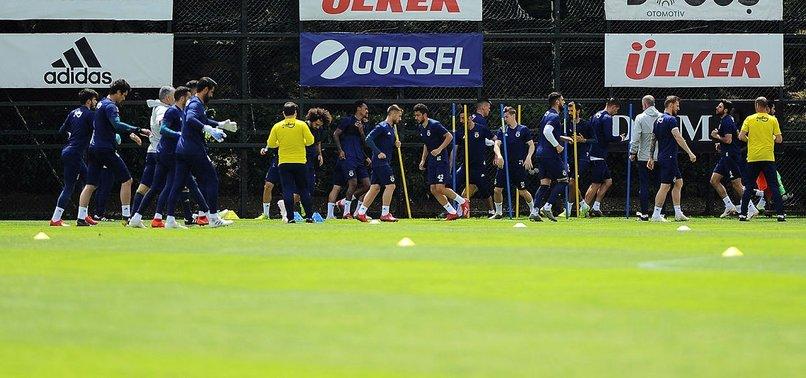 Fenerbahçeli futbolcudan ayrılık itirafı! Gitmek istediği takımı açıkladı
