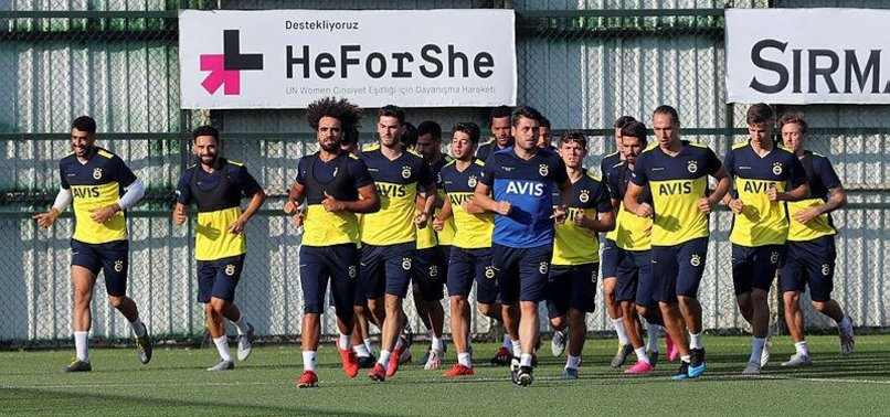 Fenerbahçe çalışmalarını sürdürüyor