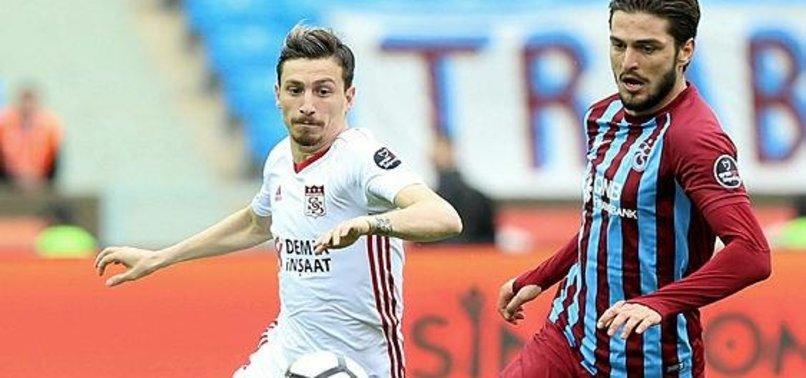 Beşiktaş, Sivassporlu Mert Hakan ile görüşme odasında