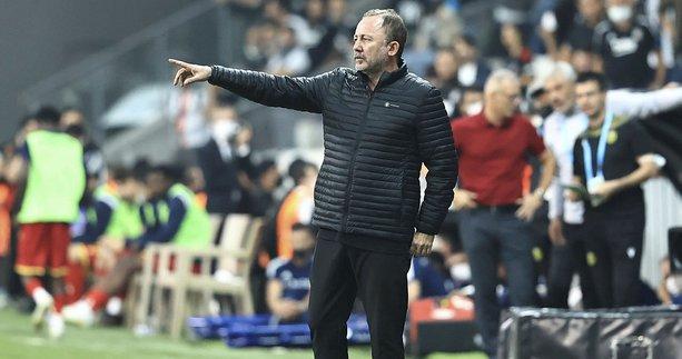 Son dakika transfer haberi: Beşiktaş'ta ayrılık! Sergen Yalçın'ın gözdesiyle ipler kopma aşamasına geldi